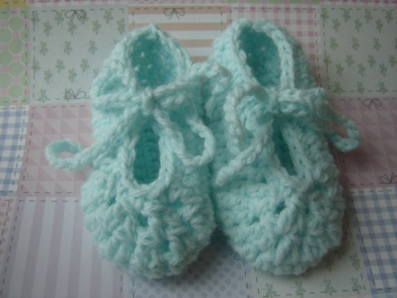 MINTY Crochet Baby Dance Shoes in Mint acrylic yarn 6 to 9 months